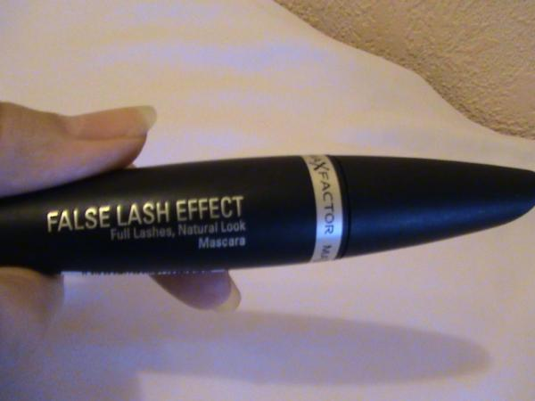Lash Extension Effect  MaxFactor