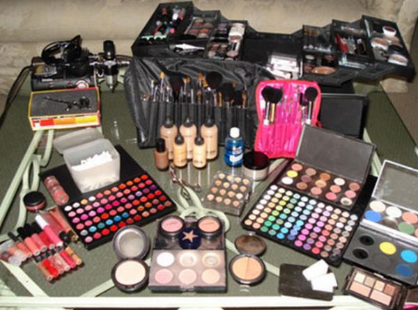 Косметика для профессионального макияжа декоративная